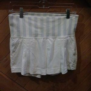Lululemon white shorts w/ stripes band size 6